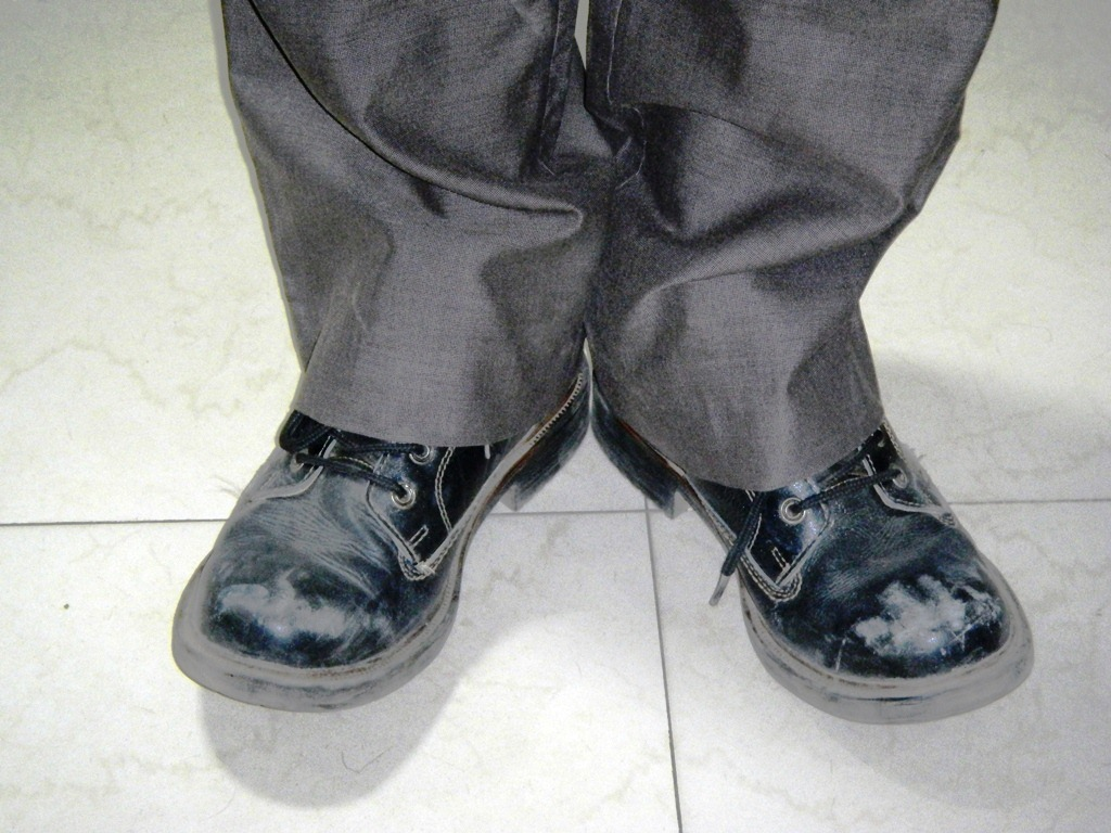 how to stop noisy shoes